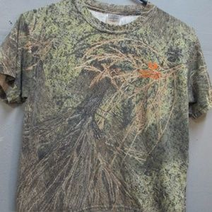 Other - Mossy Oak Medium(Youth) Shirt
